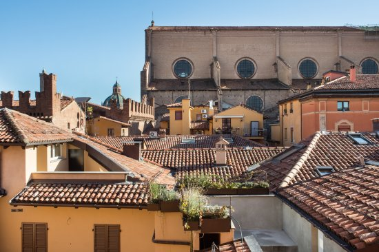 Art hotel orologio updated 2020 prices reviews and for Hotel bologna borgo panigale