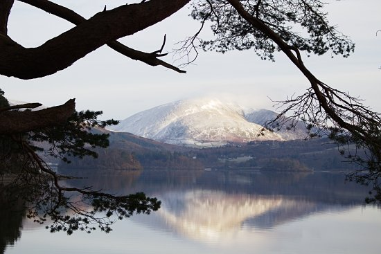 Portinscale, UK: Walk around Derwentwater view of Skiddaw south end of lake.