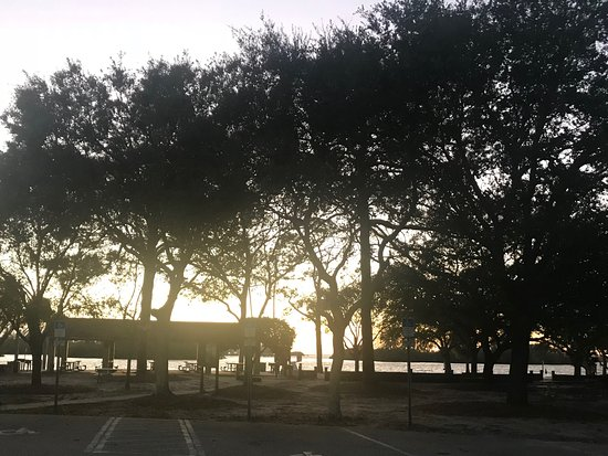 Holiday, FL: Park at sunset