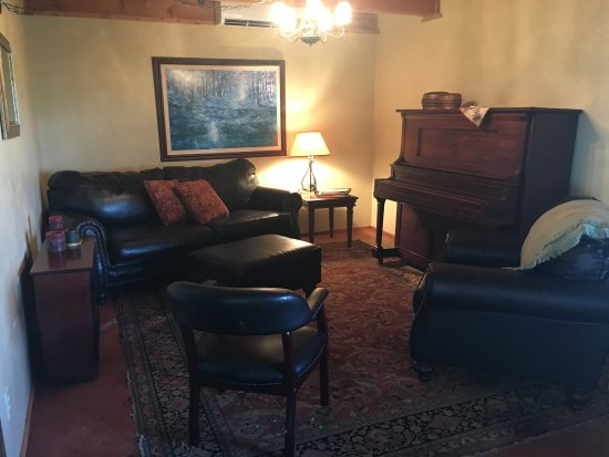 Bruneau, Αϊντάχο: Downstairs living/sitting room