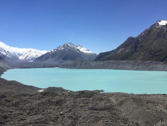 Tasman Glacier: View from viewpoint