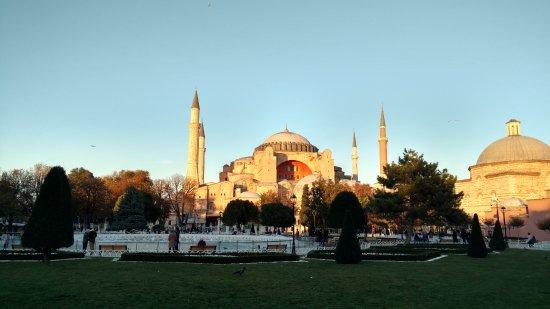 Turkije: Atardecer en la mezquita de Hagia Sophia de las mejores Cosas de Estambul
