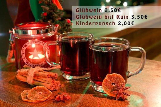 Heiße Getränke zur Weihnachtszeit - Bild von Positiv Pub-Bistro ...