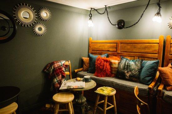 Bampton, UK: Snug bar
