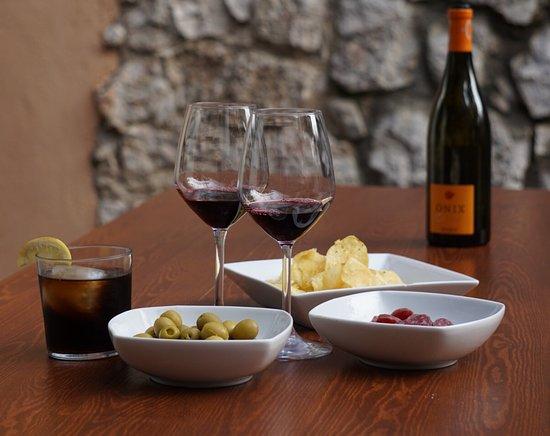 Cornudella de Montsant, Spanien: Apertitivos, tapas y vinos a copas