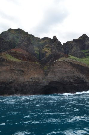 Eleele, HI: Outrageous natural formations of Na Pali