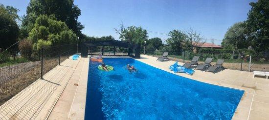 La piscine photo de alaguyauder ch tillon sur brou for Prix piscine chatillon