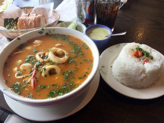 Aromas authentic peruvian cuisine interior norwalk ct for Authentic peruvian cuisine