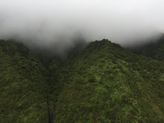 Mauna Loa Helicopter Tours: Clouds = Cold