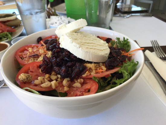 Bitton Bistro Cafe : The amazing Goat cheese salad WOW!