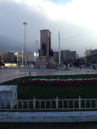 Taksim Gezi Park: far view republic monument