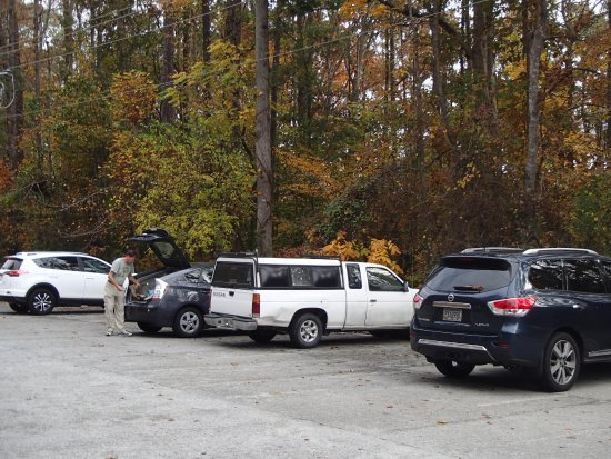 Marietta, GA: Parking lot at Gold Branch unit of the Chattahoochee River National Recreational Area