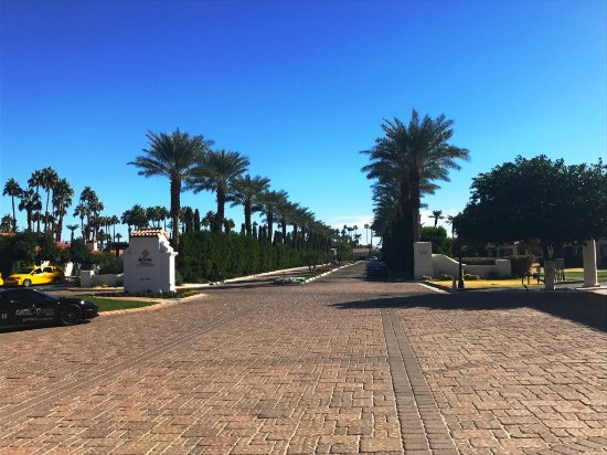 La Quinta Resort & Club, A Waldorf Astoria Resort: LQR Entry