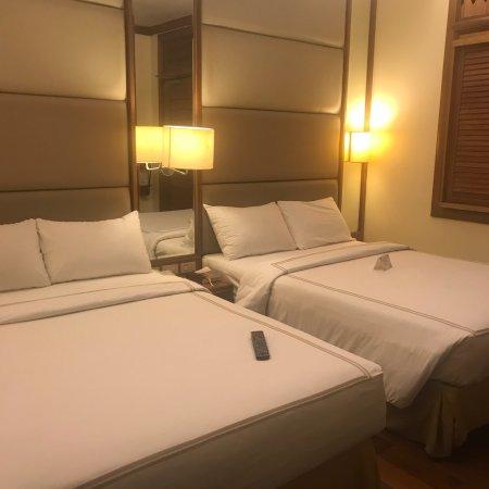 The Legend Villas: Filipino  Hotel