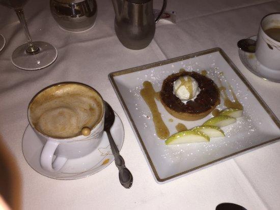 Whispers Restaurant: Dessert!
