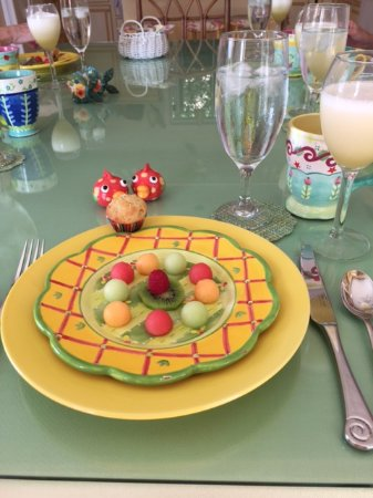 Bellavista Bed & Breakfast: First course fruit plate with banana frappe