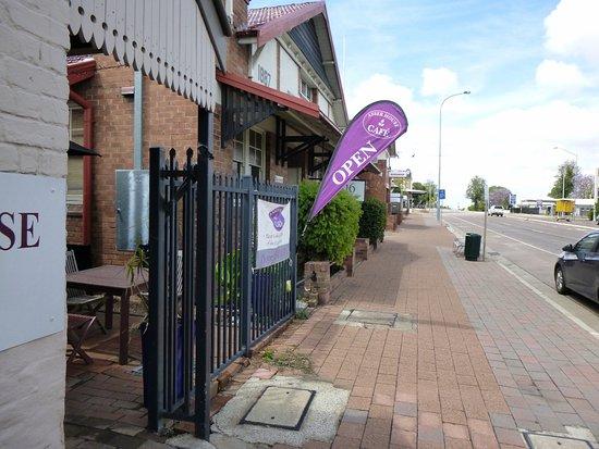Scone, Australia: Street frontage