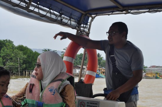 Kuantan River Cruise: The friendly tour guide