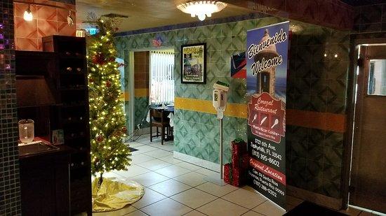 Zephyrhills, FL: Coronal Restaurant
