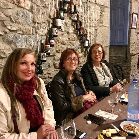 Aguimes, Spagna: Cata maridaje con vinos y quesos canarios  Un lujo para los sentidos  Presentado por Magma Aleja