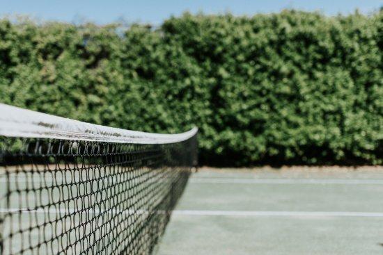 Mudgee, Australia: Tennis Court at Forgandenny House B&B