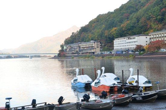 Lake Kawaguchi Ohashi Bridge: View of the lake, hotels and the bridge