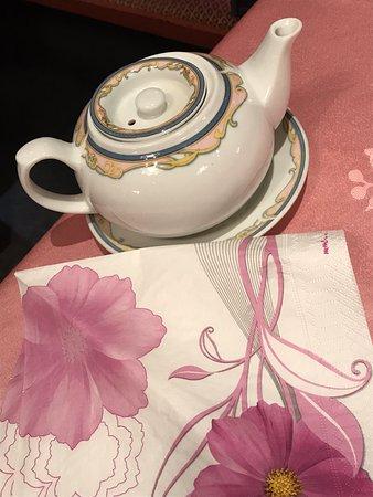 China Palast: 暖かいお茶