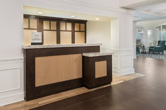 Homewood Suites by Hilton Raleigh-Durham AP / Research Triangle: Lobby
