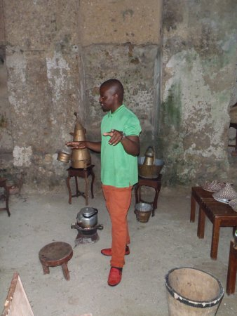 Eco & Culture Tours : The start of the coffee roasting