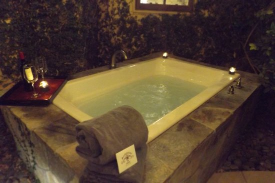 The Andalusian Court: Outdoor personal hot tub