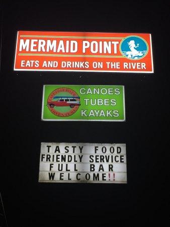 Lillington, Carolina del Norte: Tasty food, friendly service, full bar, river views, all are welcome!