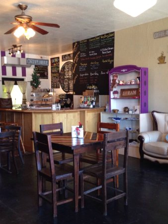 Douglas, AZ : Lovely setting - delicious food, coffee, & tea!