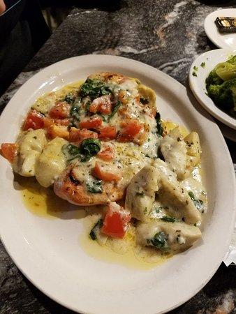 Eureka, MO: Chicken Florentine