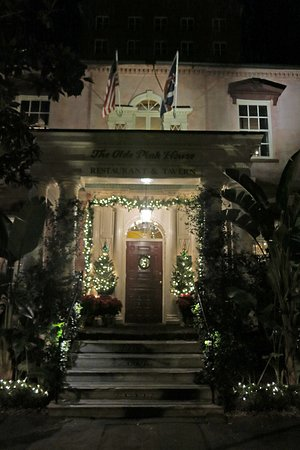 Entrance to The Olde Pink House