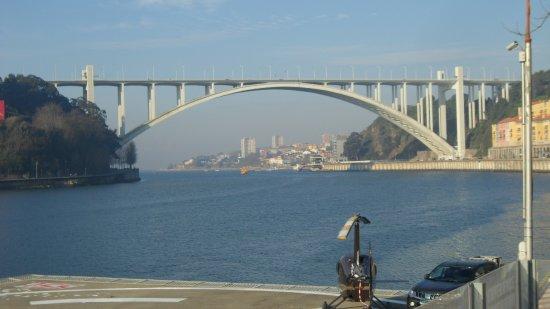 Porto District, Portugal: Hubschrauberlandeplatz