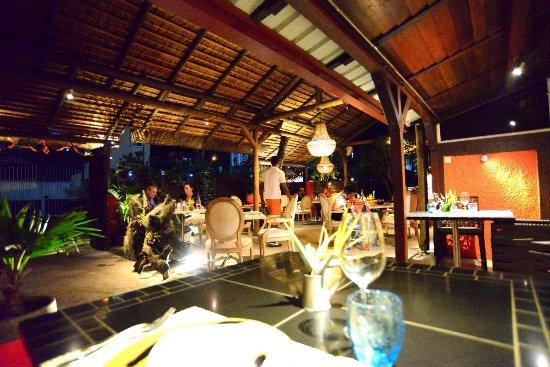 Flowers of Paradise Restaurant