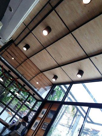 置身温室般的咖啡店