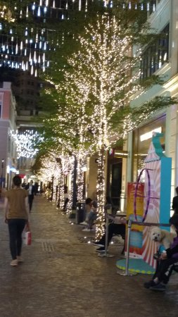 Wan Chai: Decorated Streets