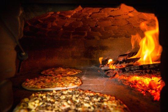 Casa Bella Vista: The wood fired pizza oven