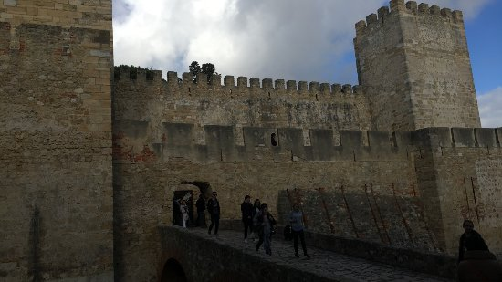 Castelo de Sao Jorge : On the way In