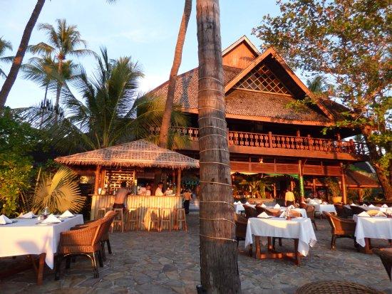 Amazing Ngapali Resort: Hauptgebäude des Amazing Ngapali, von der Terrasse aus