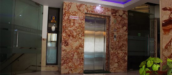 Hotel Marble Arch: Lift