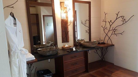 La salle de bain, magnifique - Bild von Lakaz Chamarel Exclusive ...