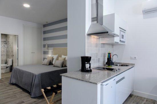 Foto de hotel apartamentos mpd m rida estudio familiar for Cama familiar