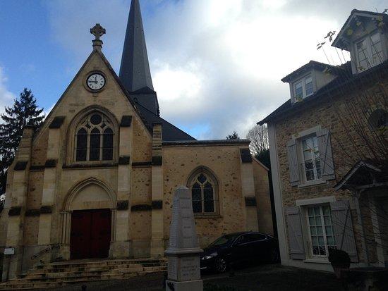 Eglise et Presbytère de L'Etang-la-ville