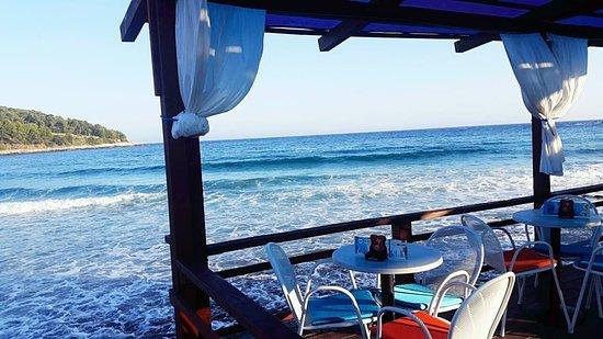 Lumbarda, Croacia: Beach bar Antonio