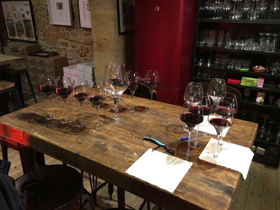 Blaye, France: La Cave de la Citadelle, wine tasting