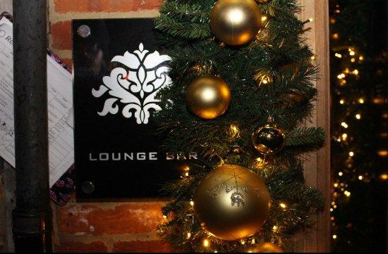 mu mu restaurant excellent christmas decor outside - Christmas Decor Outside