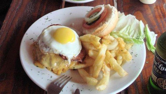 Rooiels, South Africa: Hamburguesa con queso
