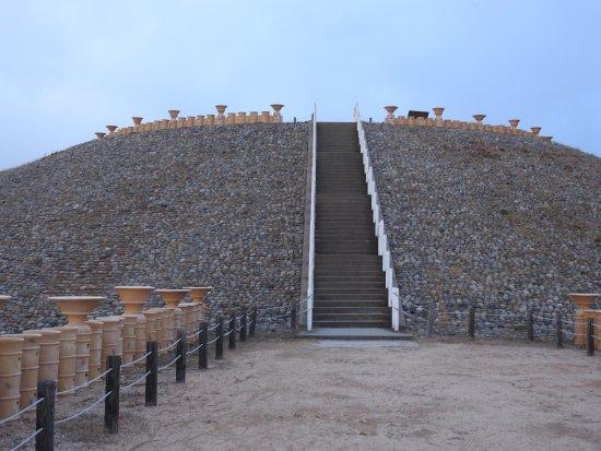 Goshikizuka Tomb